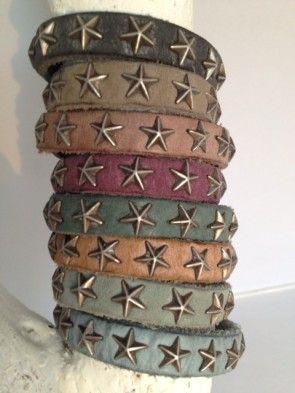 Brandmission: Leren armbandje - sterren