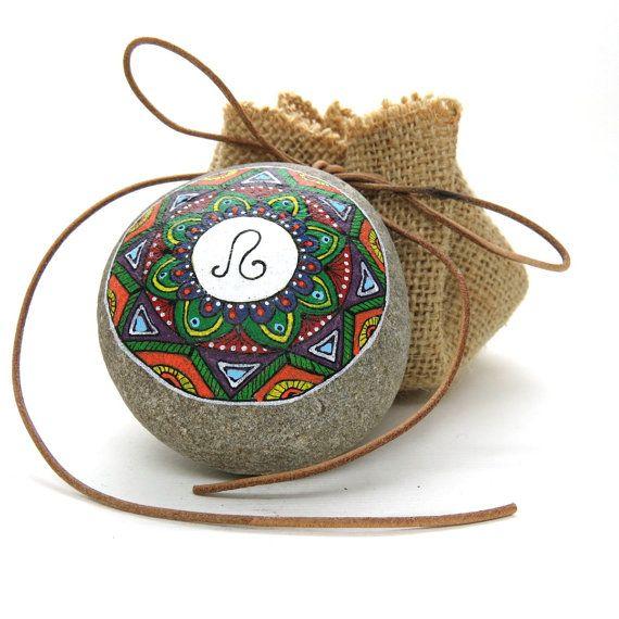 Mandala Segno zodiacale. Leone. Disegnato a di LoveStonesColour