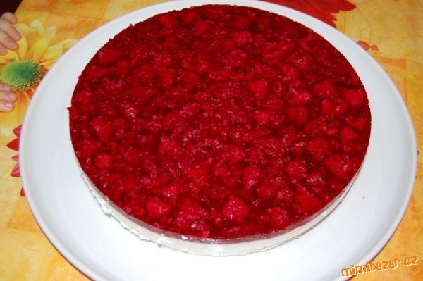 jogurtovo-malinový dort
