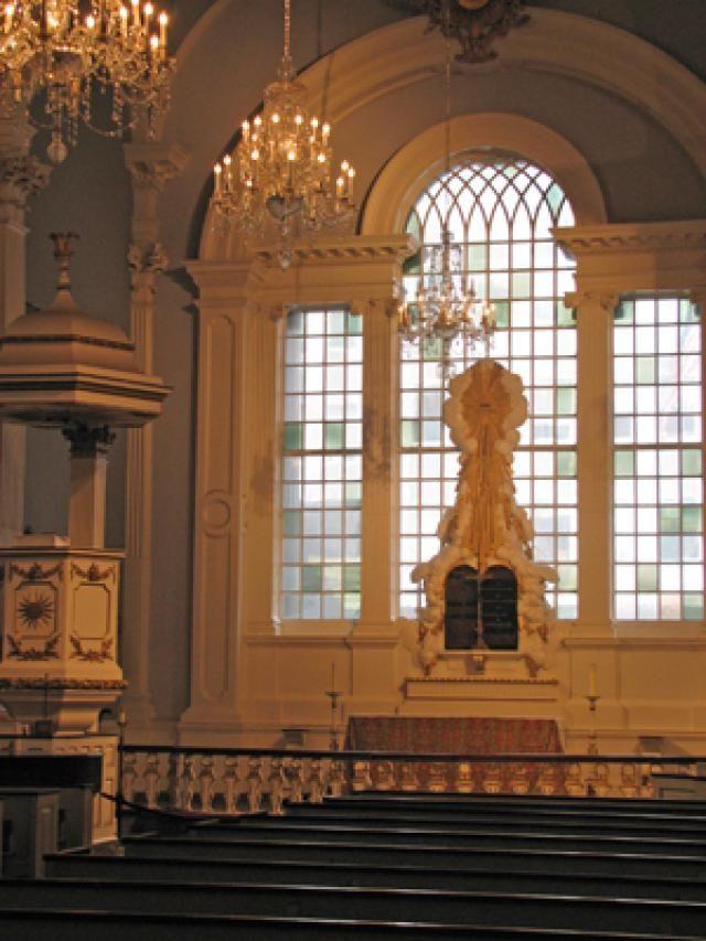 Colonial Landmarks in Lower Manhattan: St. Paul's Chapel