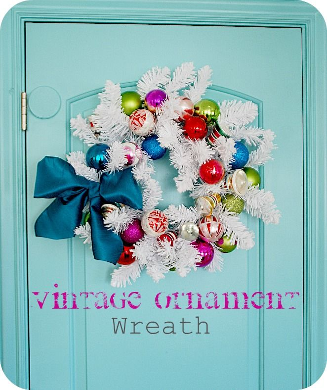 fun to do with my vintage ornaments: Wreaths Tutorials, Christmas Wreaths, Holidays Ornaments, White Wreaths, Vintage Ornaments, Christmas Decor, Wreaths Ideas, Holidays Wreaths, Ornaments Wreaths