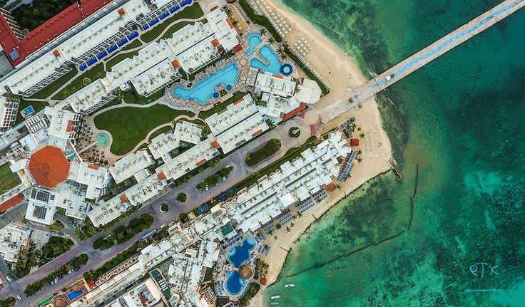 A beautiful aerial view of the resorts in Playa del Carmen, Mexico | Yucatan | Kay Tours, private, customized tours in Riviera Maya | kay.tours