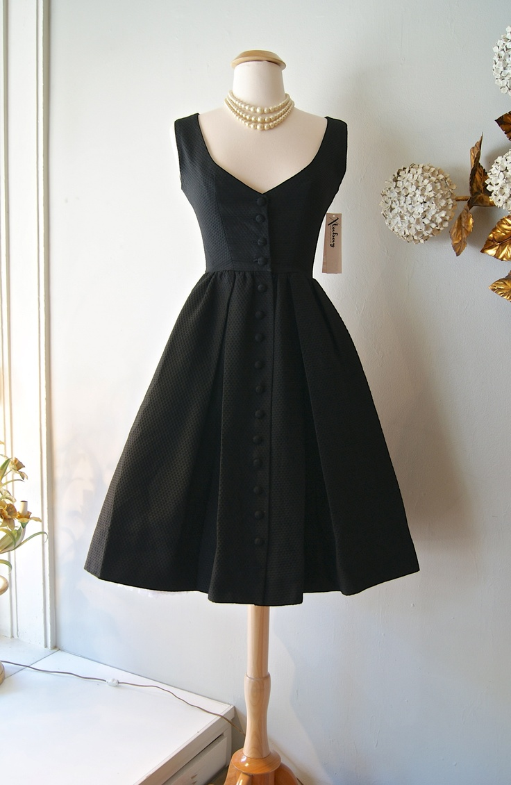 VINTAGE LITTLE BLACK DRESS - Nasha Bendes