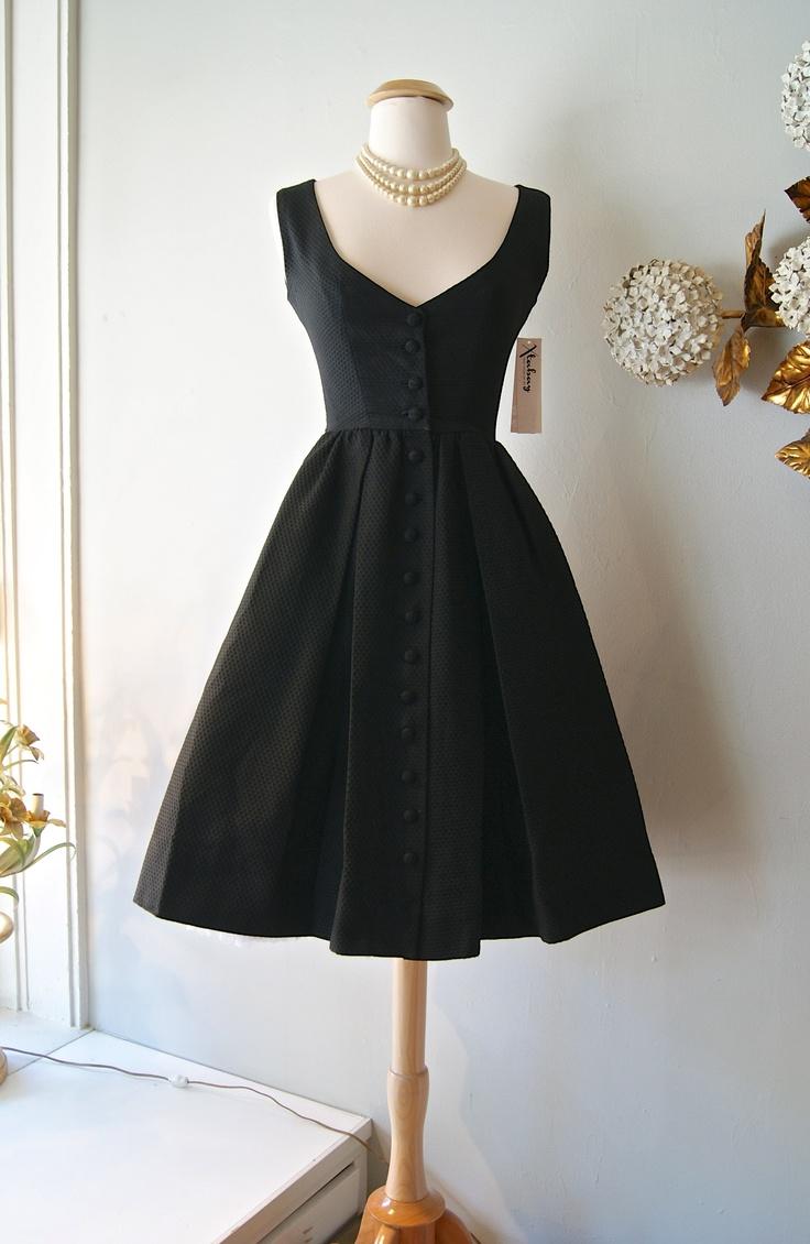 VINTAGE LITTLE BLACK DRESS - Nasha Bendes