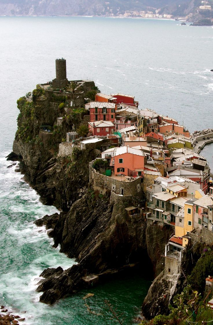 Vernazza, Cinque Terre, Italy Ailleurs communication…