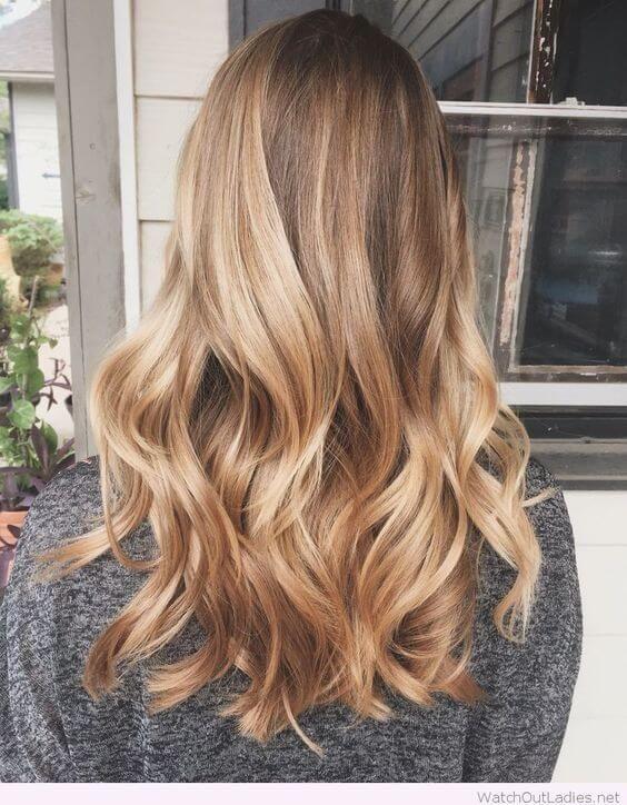 Ora prepara il tuo caffè e inizia a scegliere il tuo nuovo colore di capelli!