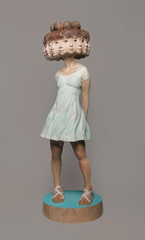 El escultor japonés Yoshitoshi Kanemaki vuelve a sorprendernos con una de sus bestiales piezas.                — YOSHITOSHI KANEMAKI