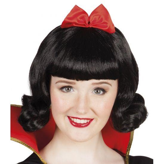 Sneeuwwitje pruik met rode strik  Zwarte sprookjes prinsessen pruik. Zwarte prinsessen pruik voor dames met zwart haar en een rode strik. Ideaal om uw sprookjes prinses kostuum af te maken.  EUR 15.95  Meer informatie