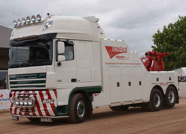 DAF XF105 - Sovereign Recovery in the UK