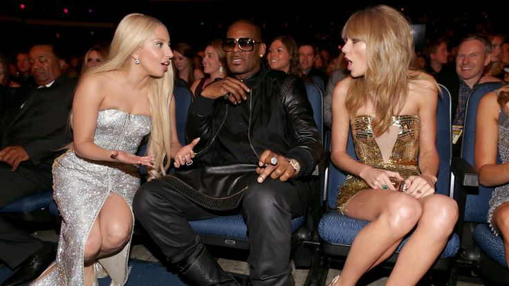 Taylor Swift says Lady Gaga cast a Twitter love spell on her - http://www.baindaily.com/taylor-swift-says-lady-gaga-cast-a-twitter-love-spell-on-her/