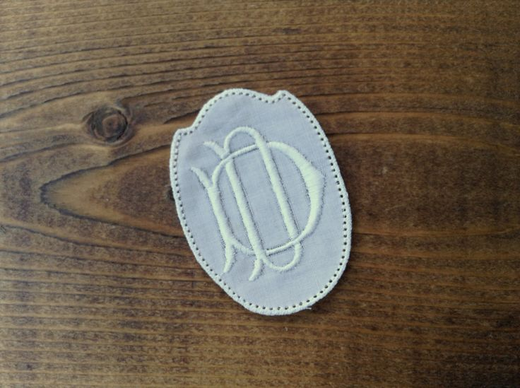 Old vintage embroidered double initial DD to personalize sheets tablecloth table runner linen or cloth and for embellishment and scrapbook by Yebisu on Etsy