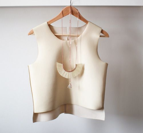 Good Structured Piece- squareCleaning, Home Crafts, Crop Tops, Fashion Vintage, White, Wedding Beautiful, Leather Messenger Bags, Crafts Painting, Summer Tops
