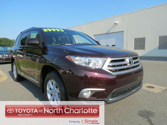 25 best ideas about used toyota highlander on pinterest toyota buy toyota and family cars. Black Bedroom Furniture Sets. Home Design Ideas