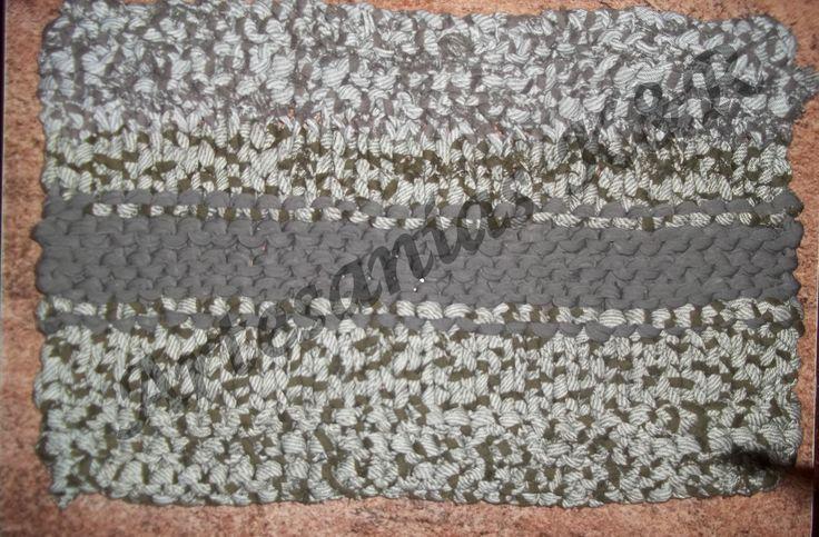 alfombra tejida en dos agujas