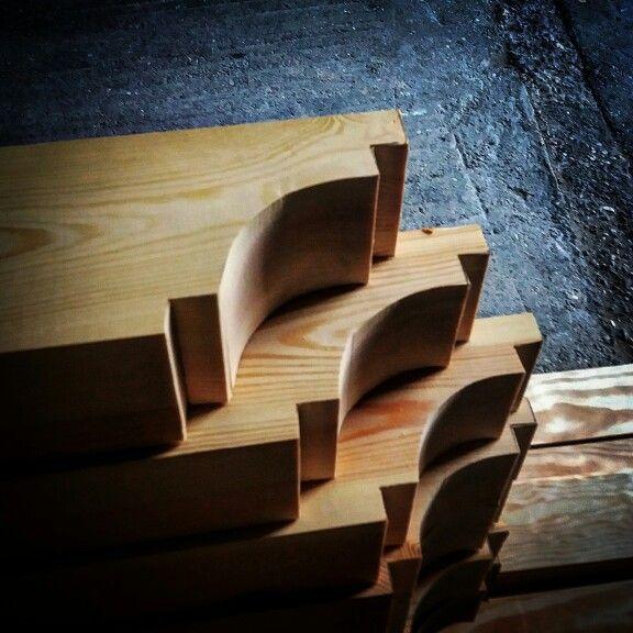 Las 25 mejores ideas sobre vigas de madera laminada en for Alquiler chiringuito madera