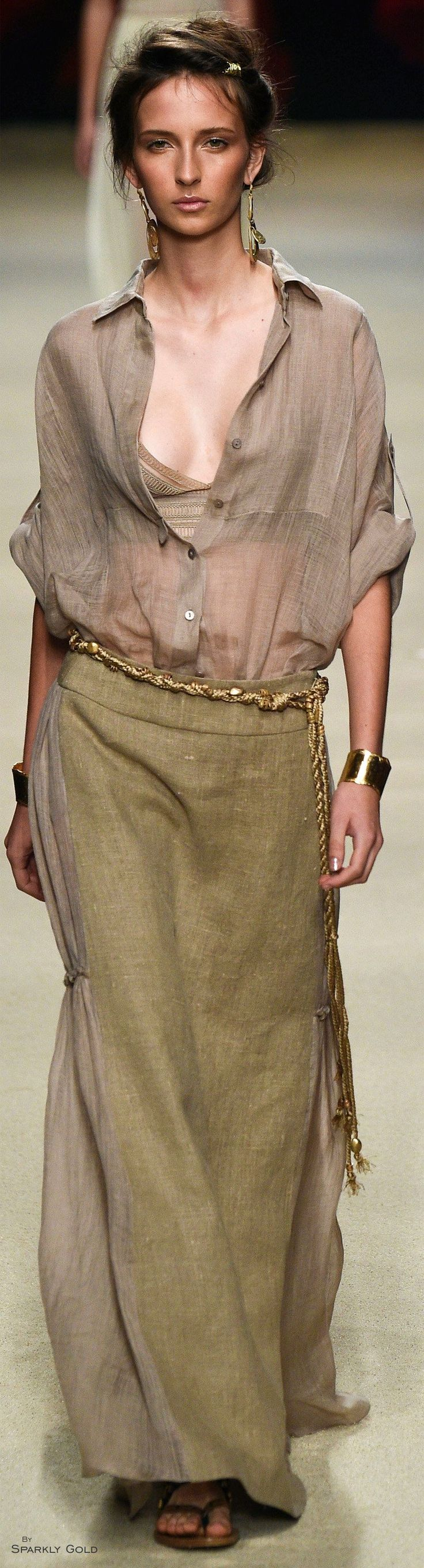 Alberta Ferretti Spring 2016 women fashion outfit clothing style apparel @roressclothes closet ideas