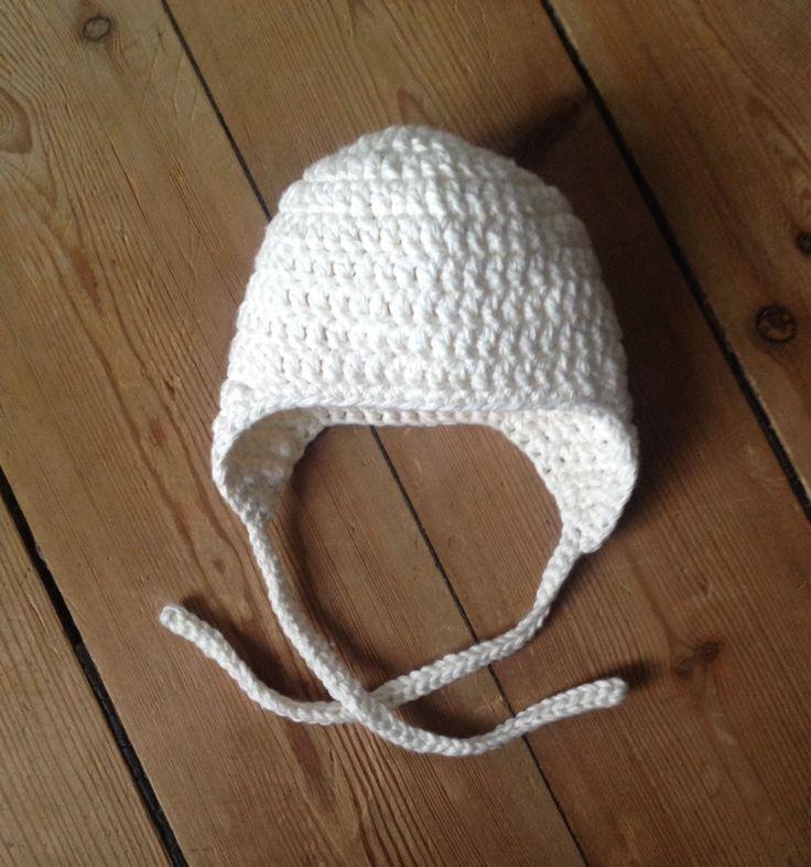 Vanvittig enkel opskrift på babyhue med bindesnøre. Sværhedsgraden er 'nem-begynder' og kræver kendskab til følgende masker: løsmas...