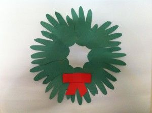 Advent Day 03 – how to make a handprint wreath
