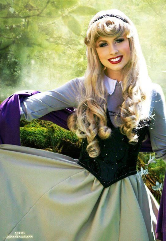 Aurora (Briar Rose) Cosplay | Never too old for Disney ...