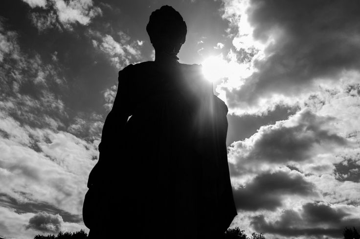 Silhouette in a cemetery #blackandwhite #photography #westbrompton #cemetery #naturallighting #sunlight #clouds