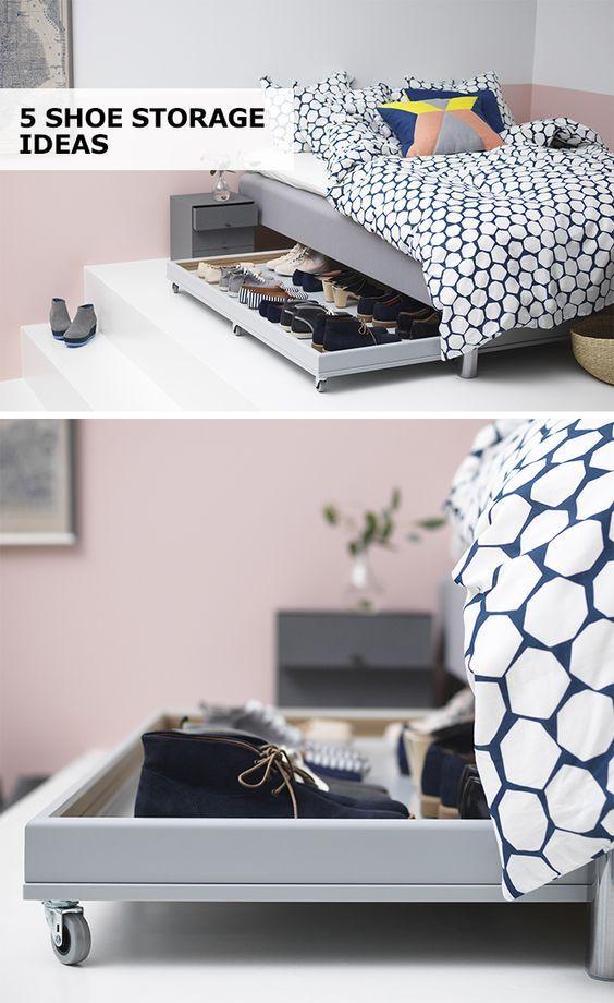 Para quem tem pouco espaço, essa sapateira é uma ótima opção! Mantém os calçados organizados e acessíveis escondidos em baixo da cama. #decoração #organização #diy #madeiramadeira
