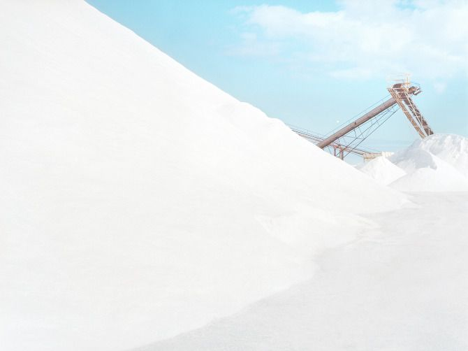 Stark White Australian Salt Refinery Looks Like Another Planet - My Modern Met