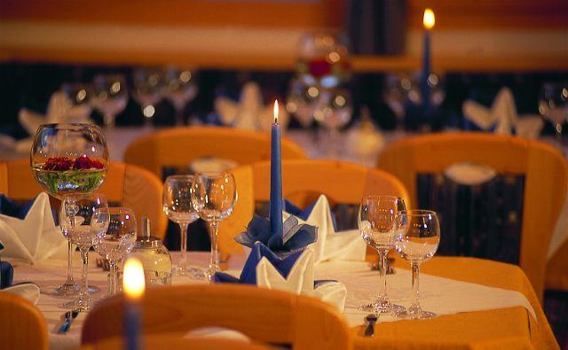 Candle light dinner in Kolkata