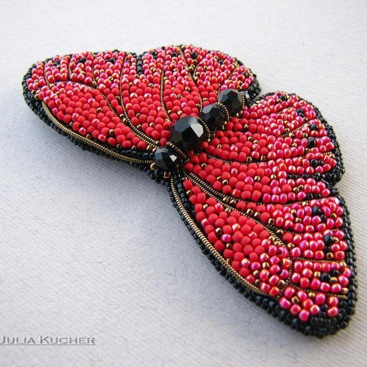 196 отметок «Нравится», 5 комментариев — Украшения ручной работы (@julia_kucher_03) в Instagram: «Нет в наличии Ещё одна яркая бабочка-брошка поближе❤ Cymothoe hobarti обитает в центральной Африке.…»