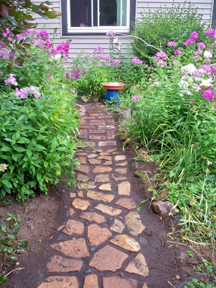 Build a new garden path with old, recycled pavers via @hometalk