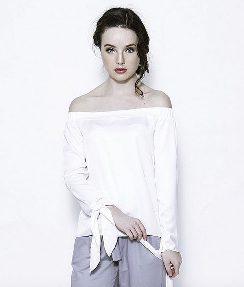 There's nothing more effortless than wearing all white. Challenge yourself and wear white!