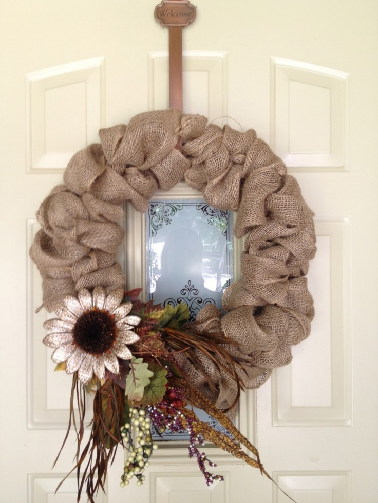 Burlap wreath, cute!