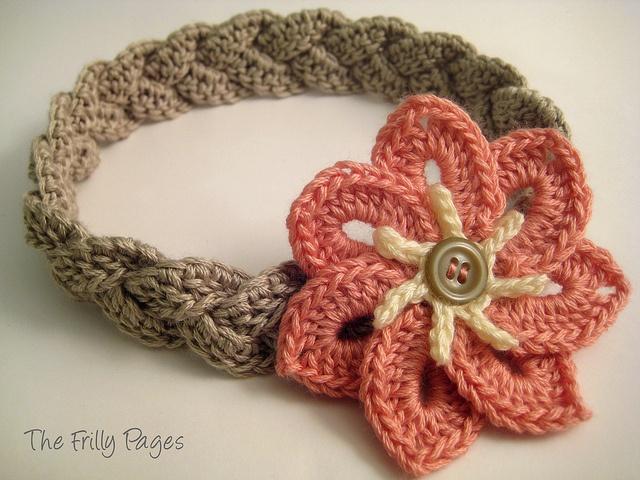 ✿  ✿ Crochetar trançado Bandana com 7-pétala de flor -  / ✿  ✿ Crochet Braided Headband with 7-petal Flower -