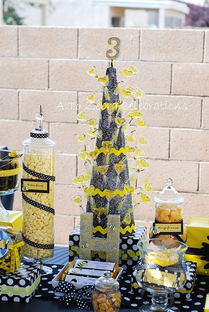 Bumble bee party: Birthday Parties, Bumblebee, Bumble Bees, Party Ideas, Birthday Party, Baby Shower, Bee Birthday