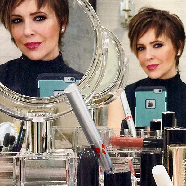 Alyssa Milano Brought Back Her <em>Charmed</em>-era Pixie Cut -- and It Looks Incredible http://stylenews.peoplestylewatch.com/2015/12/19/alyssa-milano-pixie-haircut/