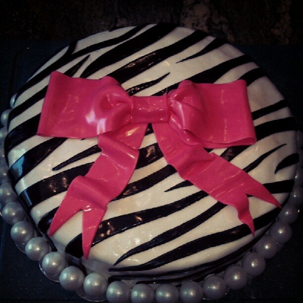Birthday cake for a 12 year old girl Cakes! Pinterest ...