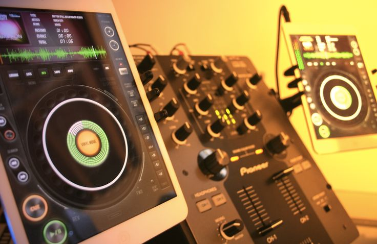 Electronic-DJ IOS App for professional or beginner DJ.