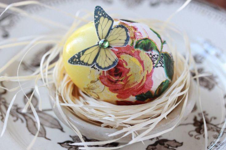 Μια πολύ καλή ιδέα για να διακοσμήσετε τα πασχαλινά σας αυγά είναι το ντεκουπάζ.Παρακάτω θα διαβάσετε οδηγίες για το πως θα το κάνετε μόνες σας και θα βρείτε εικόνες για εκτύπωση! Επίσης μπορείτε να τυπώσετε