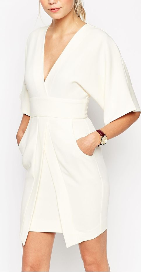 This is gorgeous and elegant. Love the sleeves, love that it has pockets. White is beautiful but I would get it dirty.