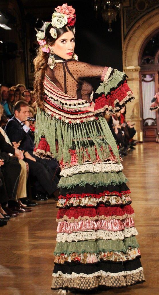 Moda Flamenca   Por Elena Rivera vía Mamá de Mayor Quiero Ser Flamenca.