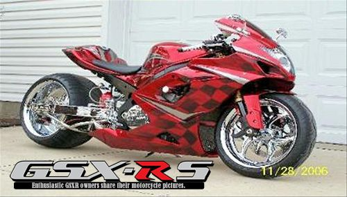 2007 GSXR 600   Red Checkers