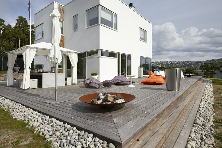 Private house in Malmoya, Norway - terrasse looking good with Kebony's Scots Pine silver patina