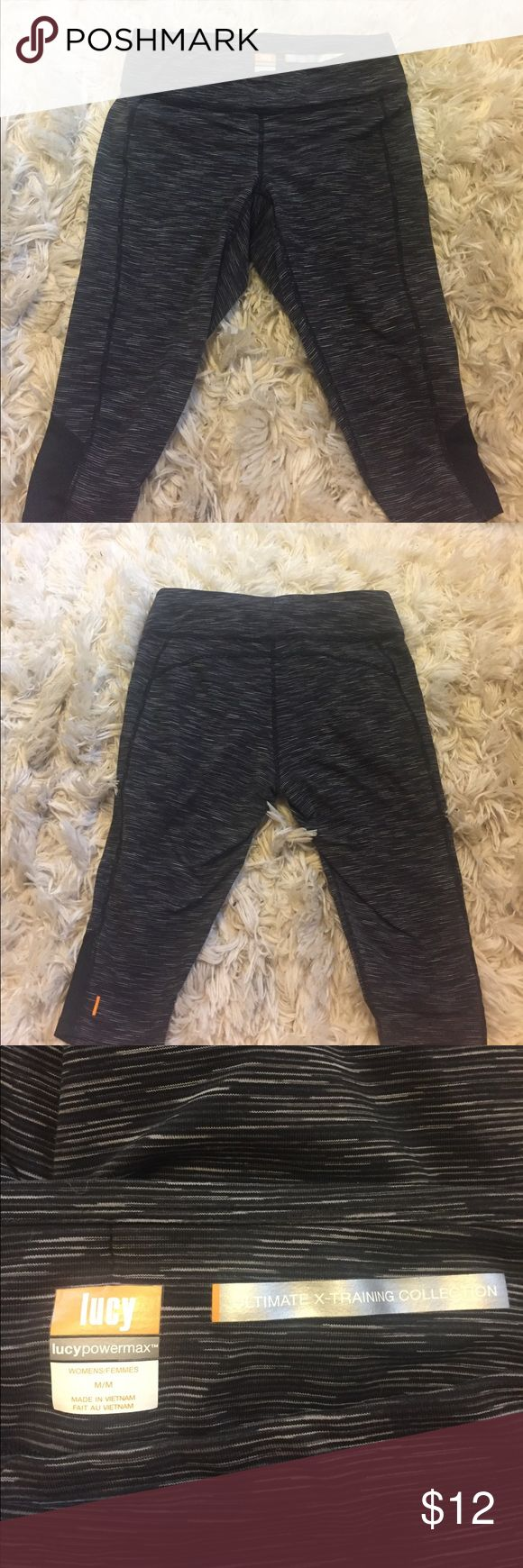 ~Low Price~ Lucy Workout legging Capris Fabulous Lucy workout legging capris. Ultimate x-training. In great condition. Size medium. Lucy Pants Capris