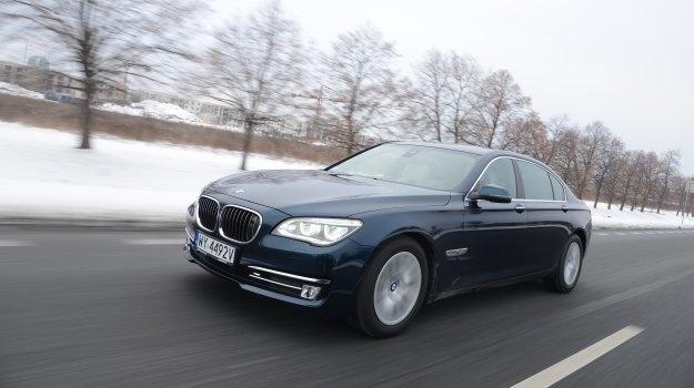 Trudno sobie życzyć czegoś więcej. Potężny silnik, niesamowity komfort jazdy i luksusowe wyposażenie sprawiają, że BMW 750Ld to samochód wyjątkowy.  Czytaj więcej na http://www.magazynauto.pl/testy/testy-porownania/news-bmw-750ld-xdrive-test,nId,949449?utm_source=paste_medium=paste_campaign=firefox