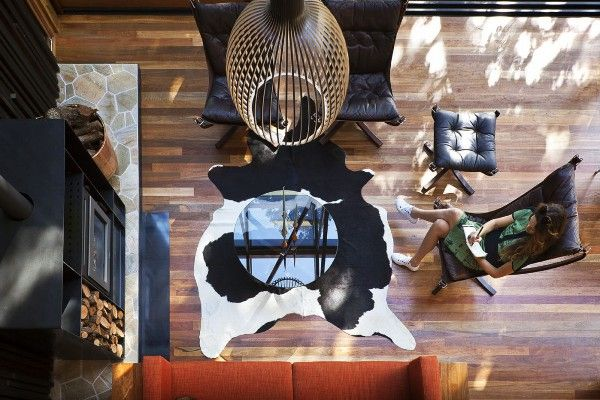 Falcon chairs, coffee table & footstool; Pohutukawa Beach House by Herbst Architects 10