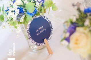 Mariage en bleu. Chic épuré. Centre de table. Centerpiece. ©Les crâneuses, wedding planner & designer.
