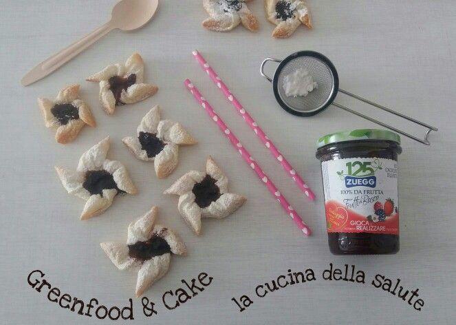 Girandole di pastasfoglia alla marmellata  @zueggitalia  http://blog.giallozafferano.it/greenfoodandcake/girandole-di-sfoglia-alla-marmellata/