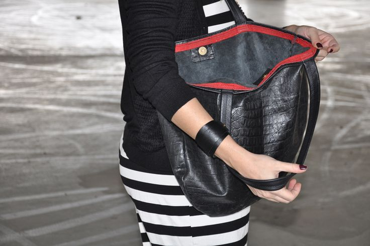 black leather, croco with round edges