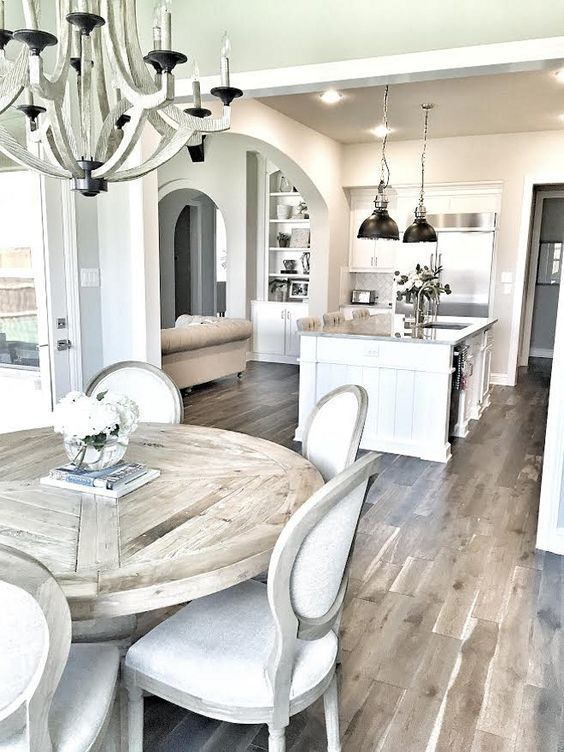 love this farmhouse breakfast table + chairs