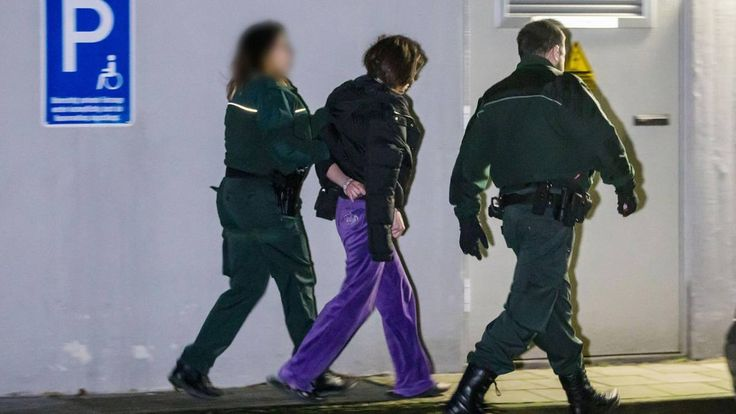 Nachricht:  http://ift.tt/2Gx5Svg Auch GSG-9-Beamte beteiligt: Zoll und Polizei fahren Großrazzia gegen organisierte Schwarzarbeit in NRW #aktuell