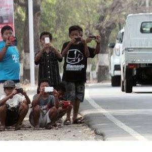 Anak-anak SD Perekam Klakson TELOLET Busmania...Antara Hobi Dan Keselamatan